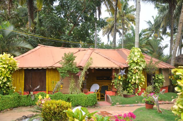 Kerala Bamboo House - Ayurvedic Beach Resort