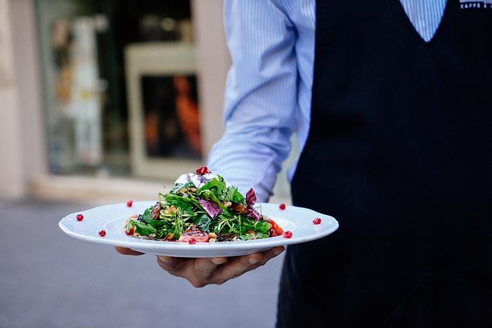 Vitalisierende Salate und Osmotisches für gesunde Sommertage